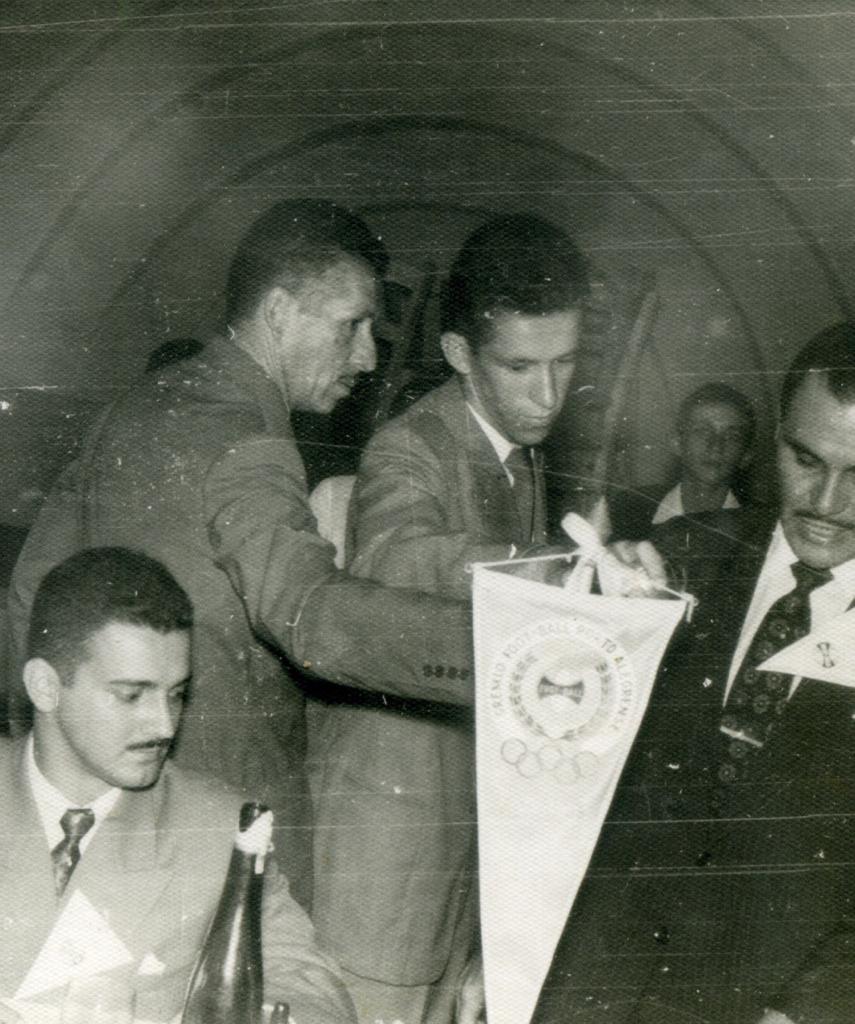 Alexandre Garcia aos 17 anos, quando era repórter de rádio