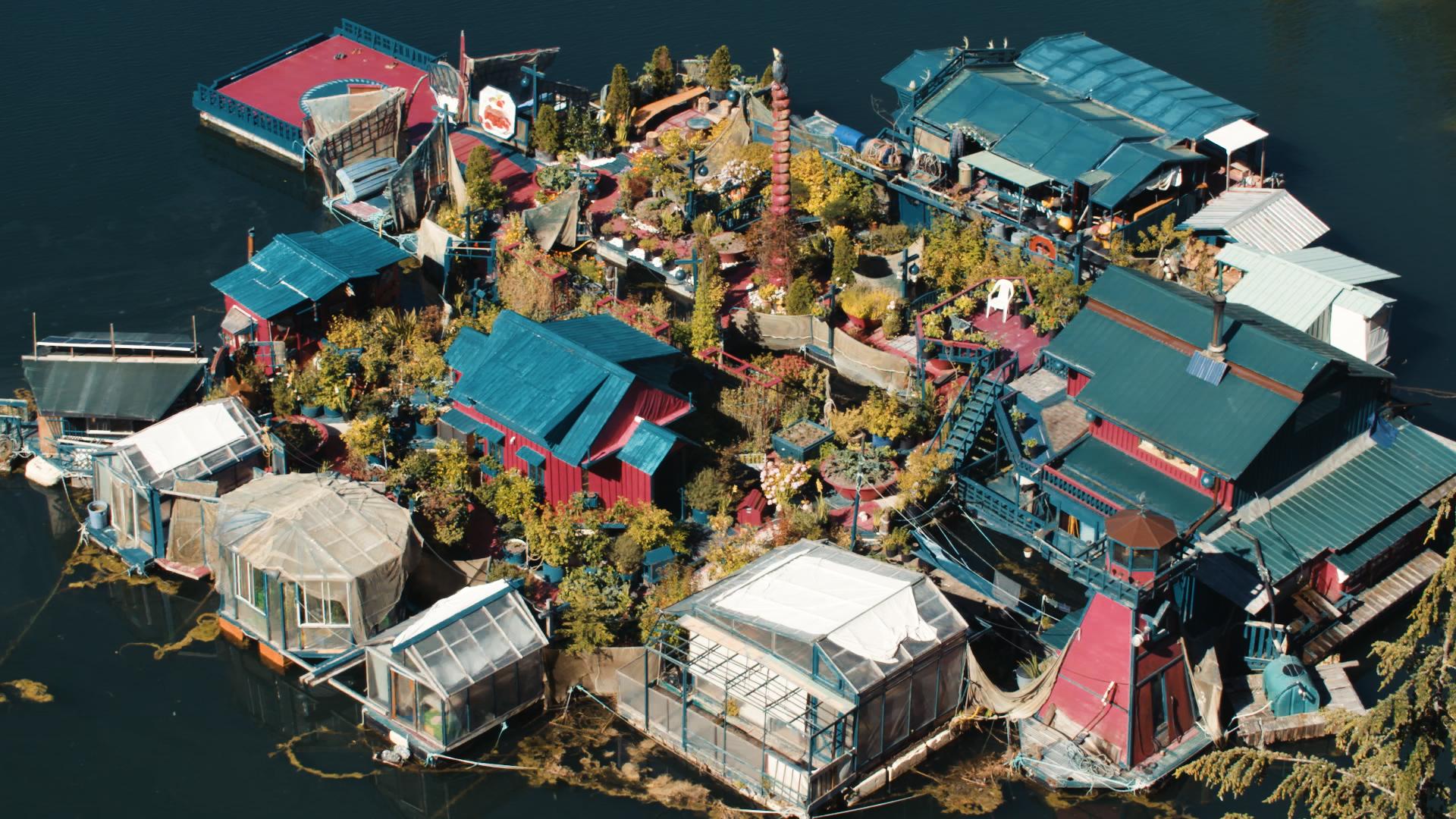 Ilha foi construída usando apenas materiais reciclados e recuperados