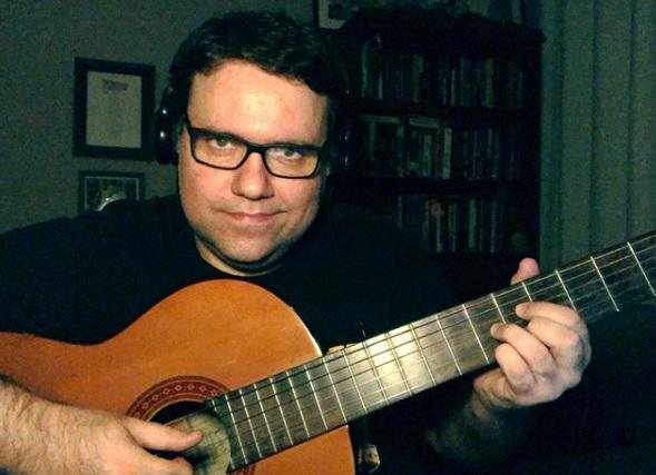 O apresentador Rodrigo Rodrigues