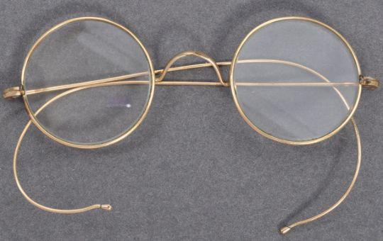 Óculos que pertenceram a Mahatma Gandhi entraram para o catálogo da East Bristol