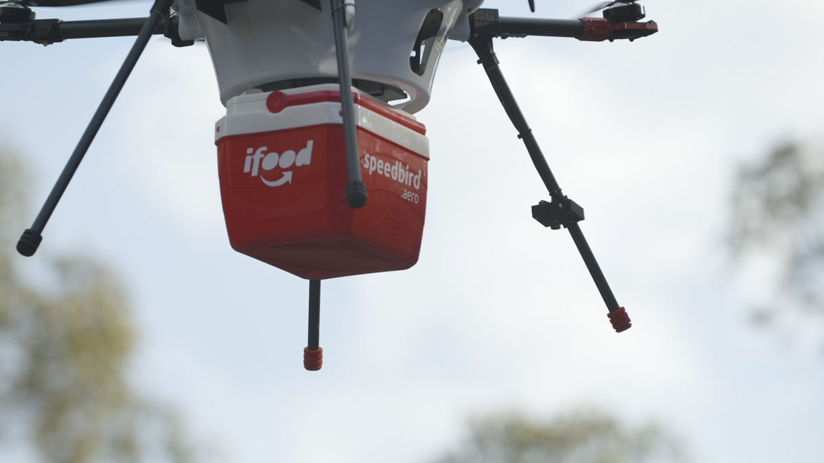 Drone do iFood que será utilizado em testes para sistema de entregas