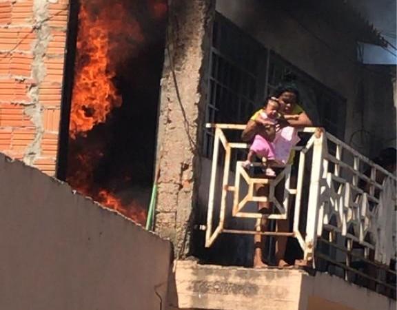 Avó salva neta de incêndio em Cuiabá, no Mato Grosso