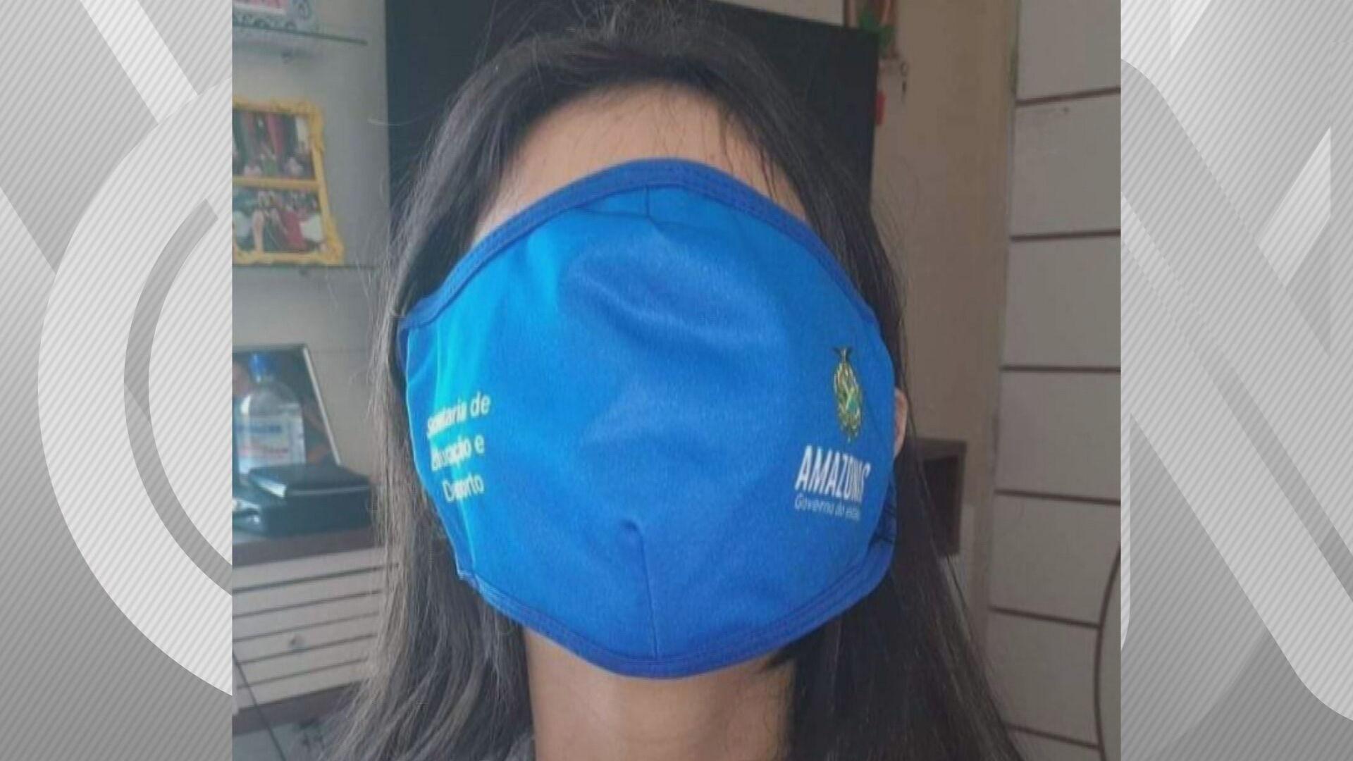As máscaras de tamanho desproporcional viraram memes nas redes sociais