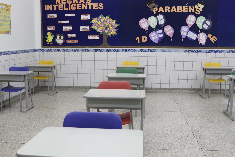 Escola particular em Campinas, São Paulo, se prepara para retomar aulas presenci