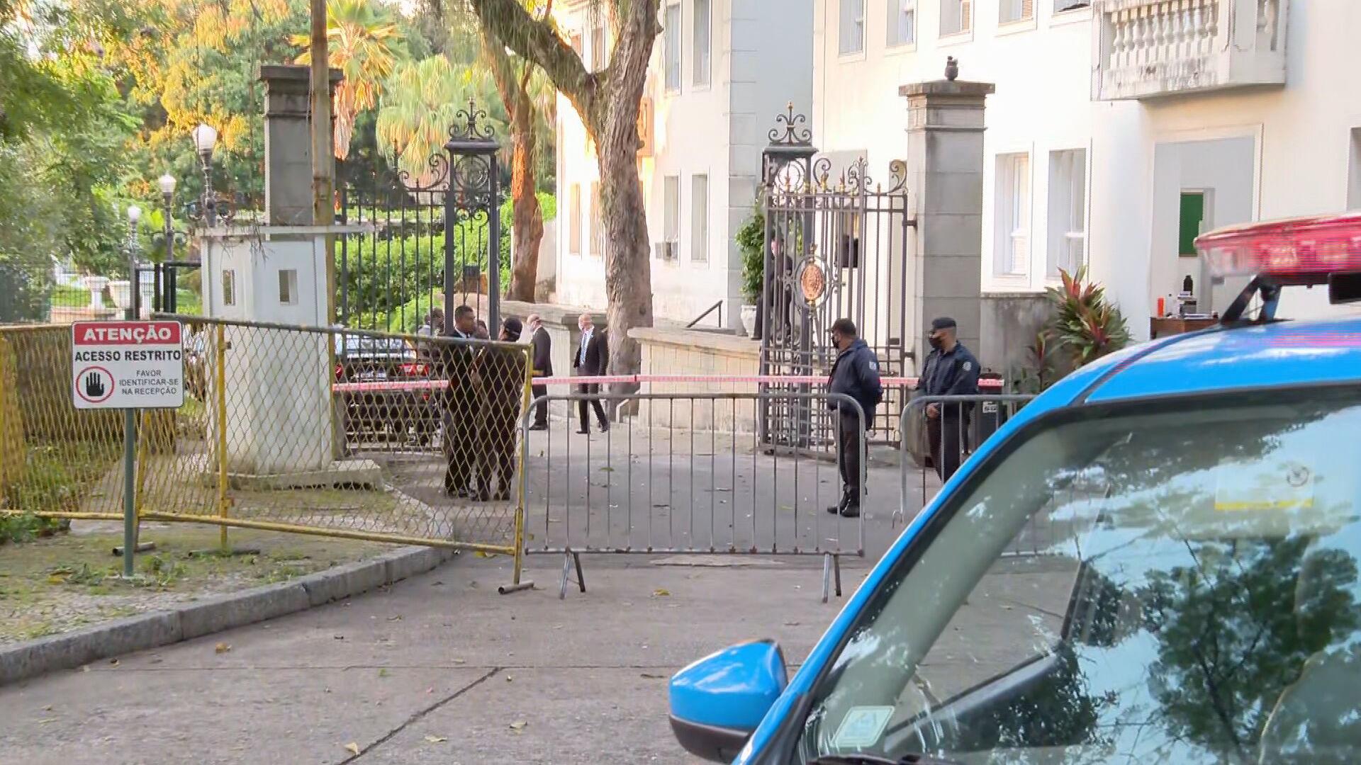 Movimentação no Palácio Laranjeiras, casa oficial do governador do Rio de Janeir