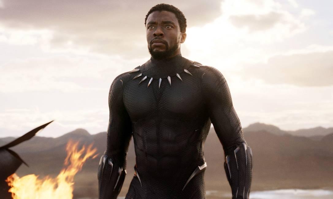 O ator Chadwick Boseman como o rei T'Challa, de Pantera Negra