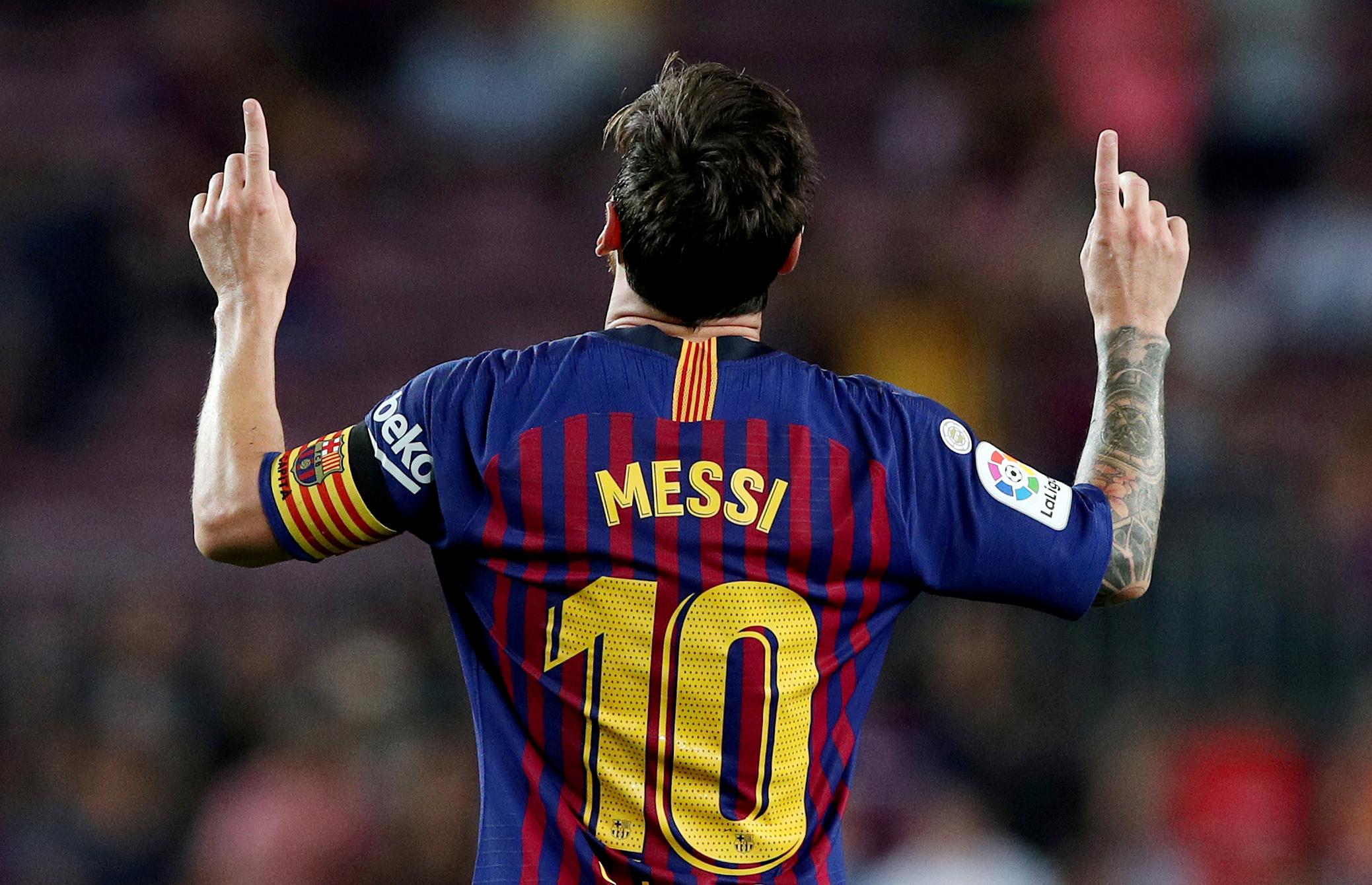 Pai de Messi disse que jogador pode ficar mais um ano no clube