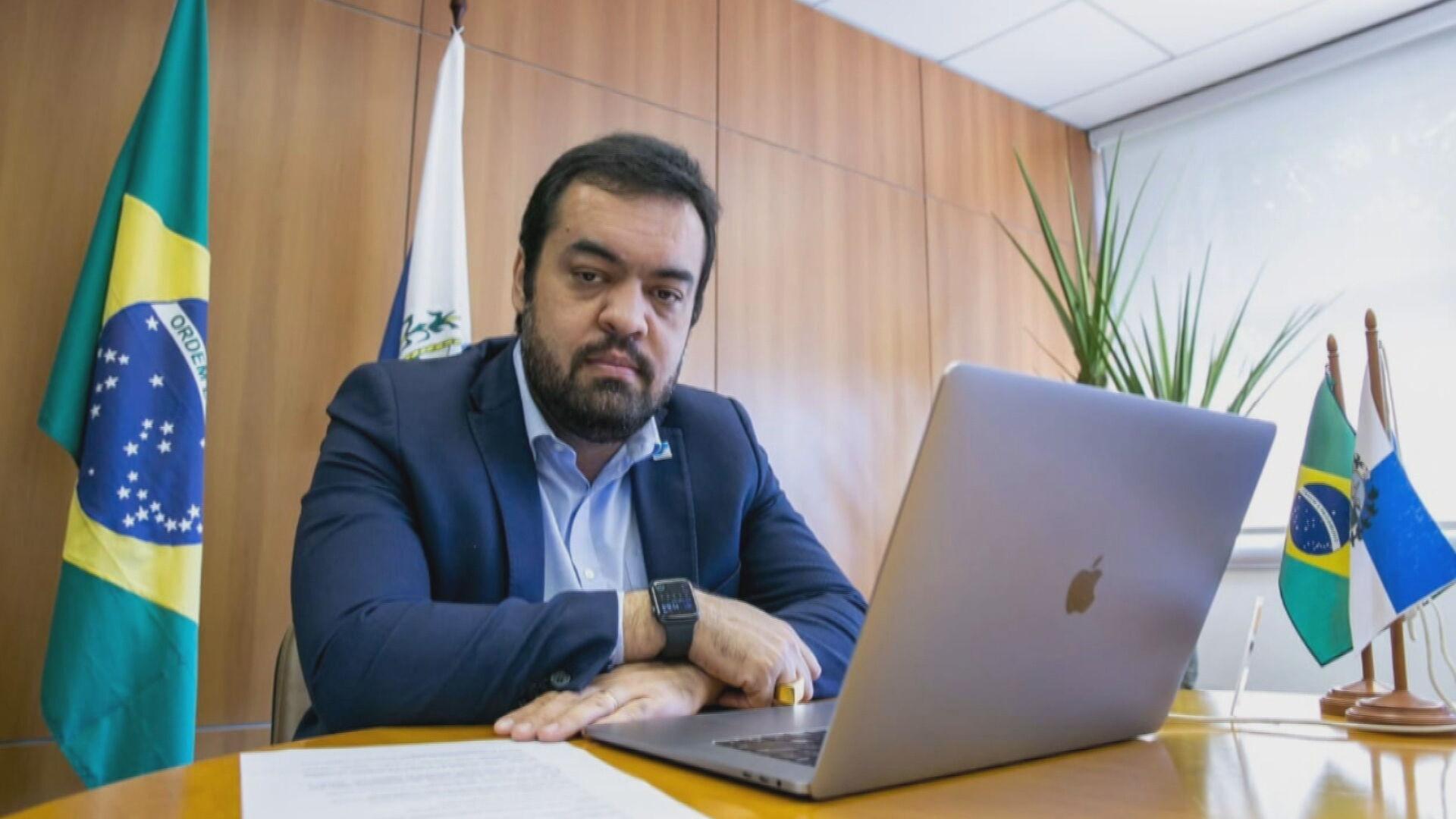 O governador em exercício Cláudio Castro, que assumiu o governo do RJ