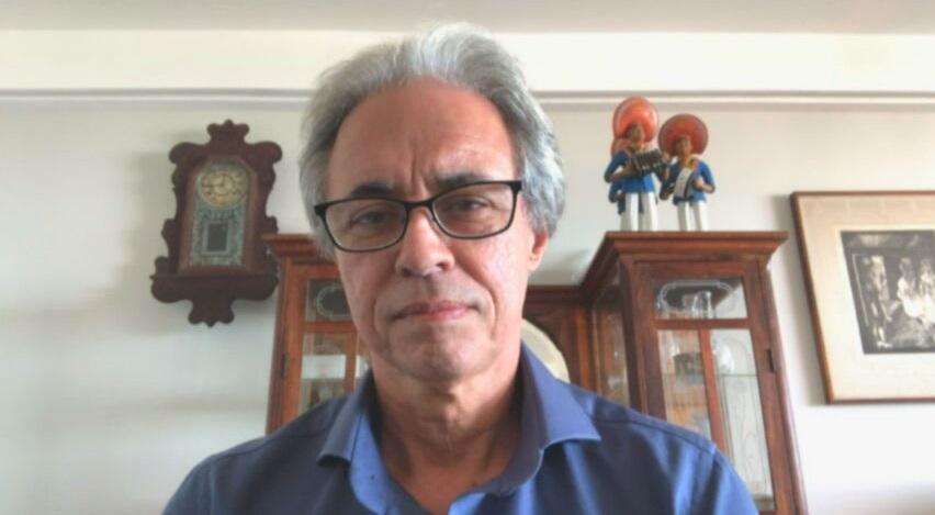 Mozart Ramos, professor da USP e especialista em Educação, fala à CNN