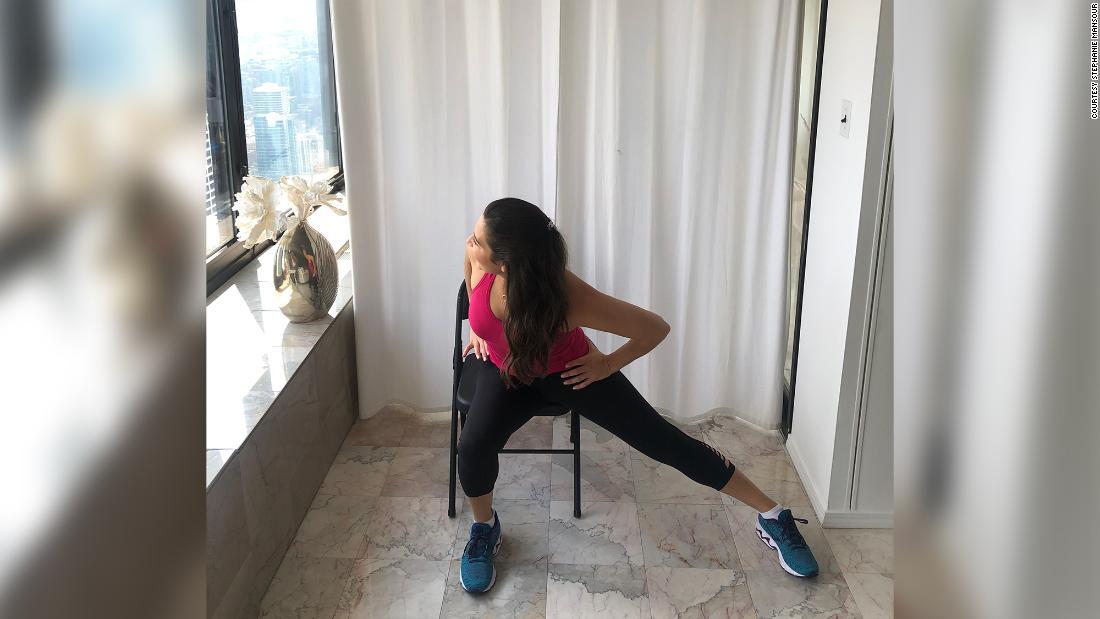 Stephanie fazendo exercícios