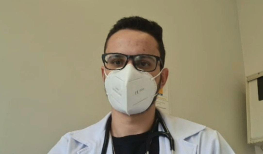 O médico Ricardo Galvão fala sobre ser voluntário nos testes clínicos com a vaci