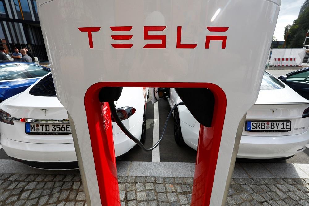 Tesla Carregador