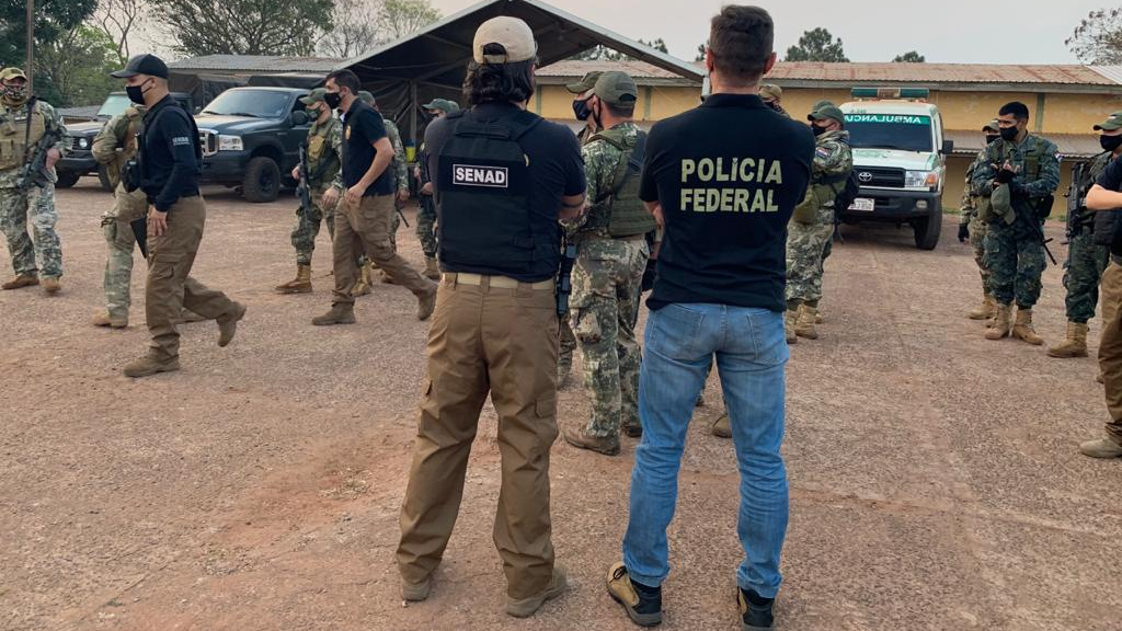 Policiais de Brasil e Paraguai na Operação Status