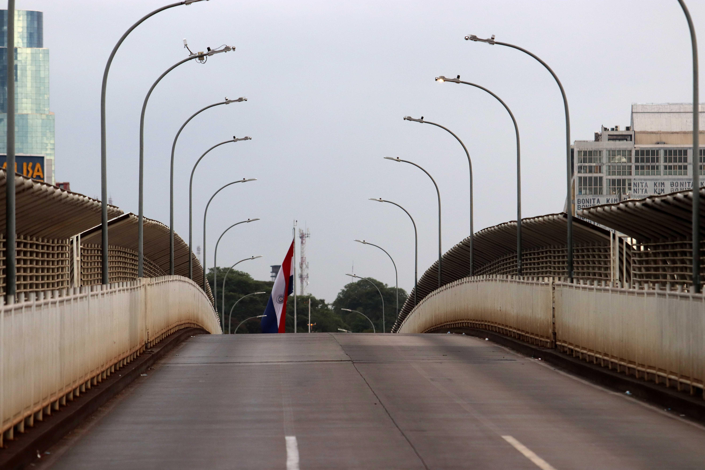 A Ponte da Amizade, que Brasil e Paraguai, após fechamento da fronteira