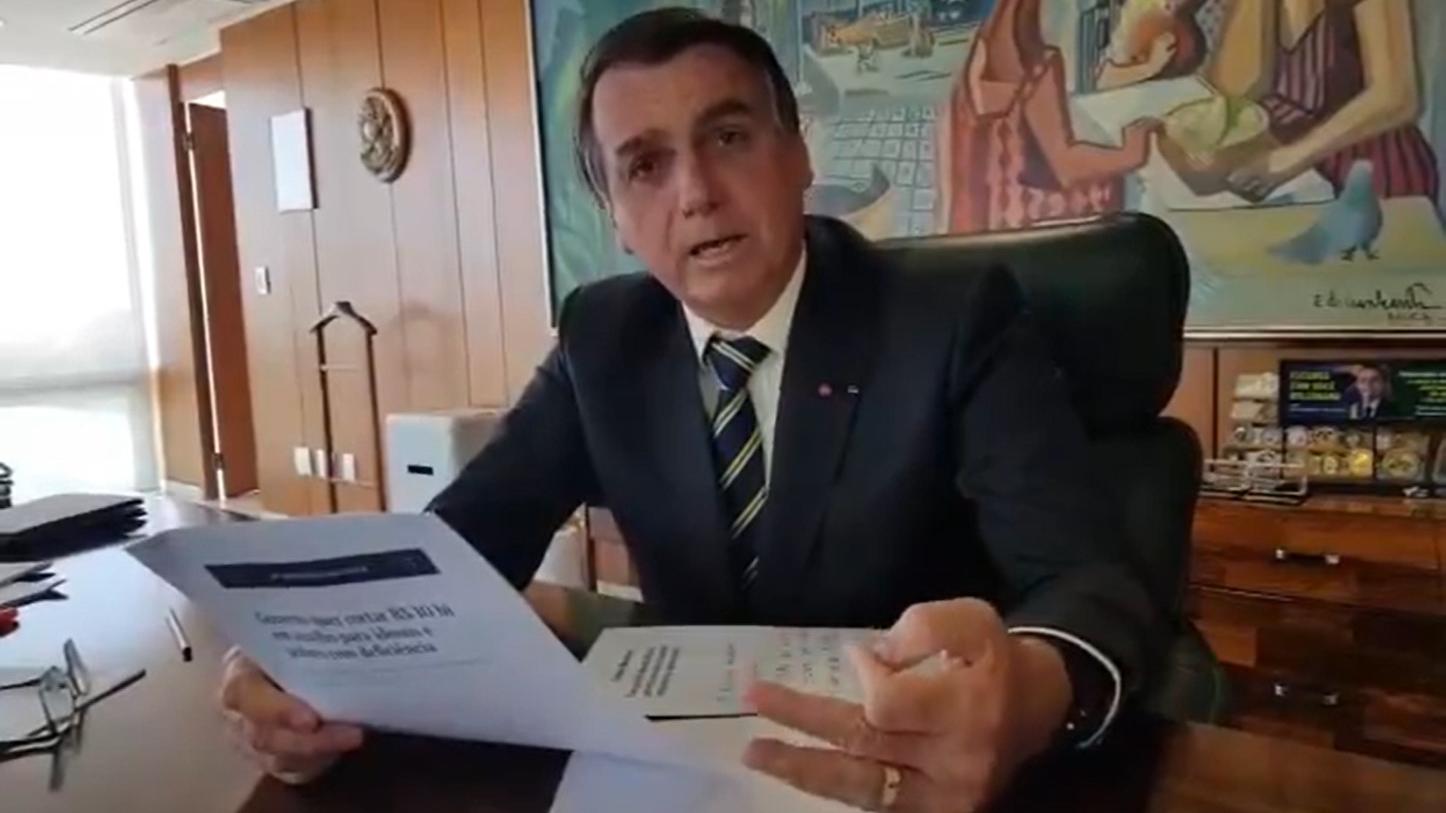 Bolsonaro afirmou em sua redes sociais que não criará mais o Renda Brasil