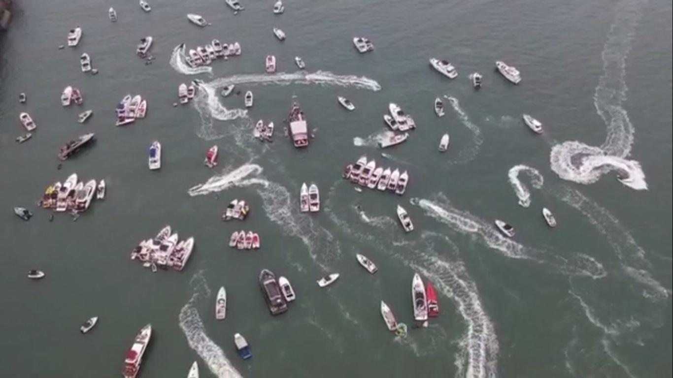 Prefeitura recebeu denúncias de aglomeração na Praia da Enseada, no Guarujá
