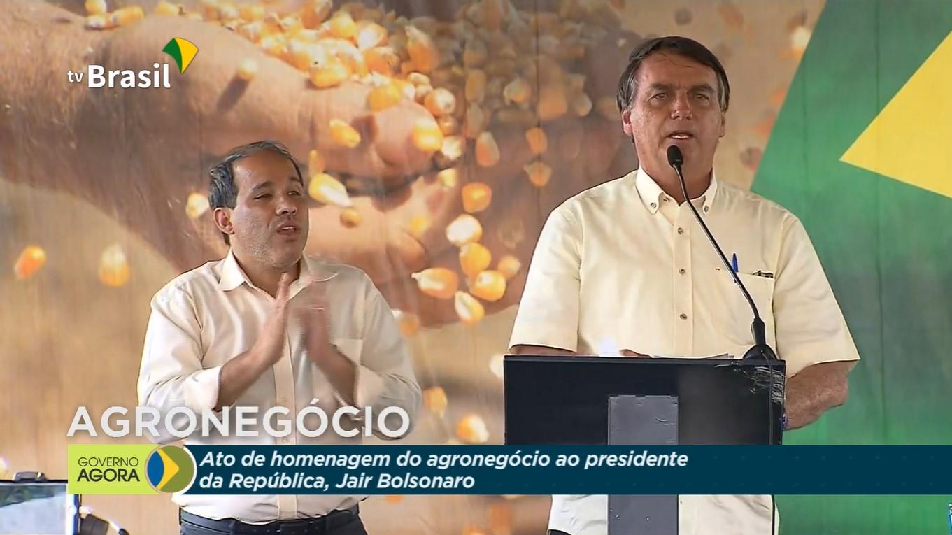 Jair Bolsonaro participa de homenagem do agronegócio em Sinop, no MT