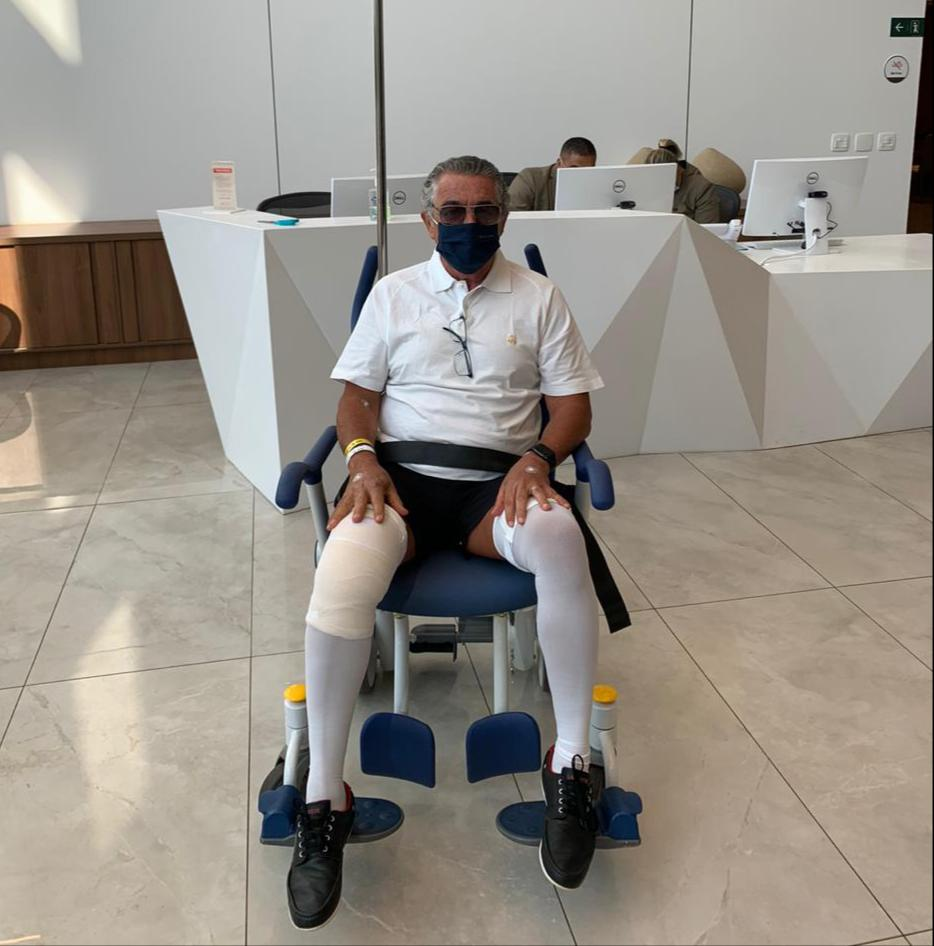 Marco Aurélio Mello após cirurgia no joelho