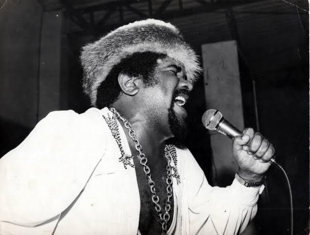 Gerson King Combo em apresentação