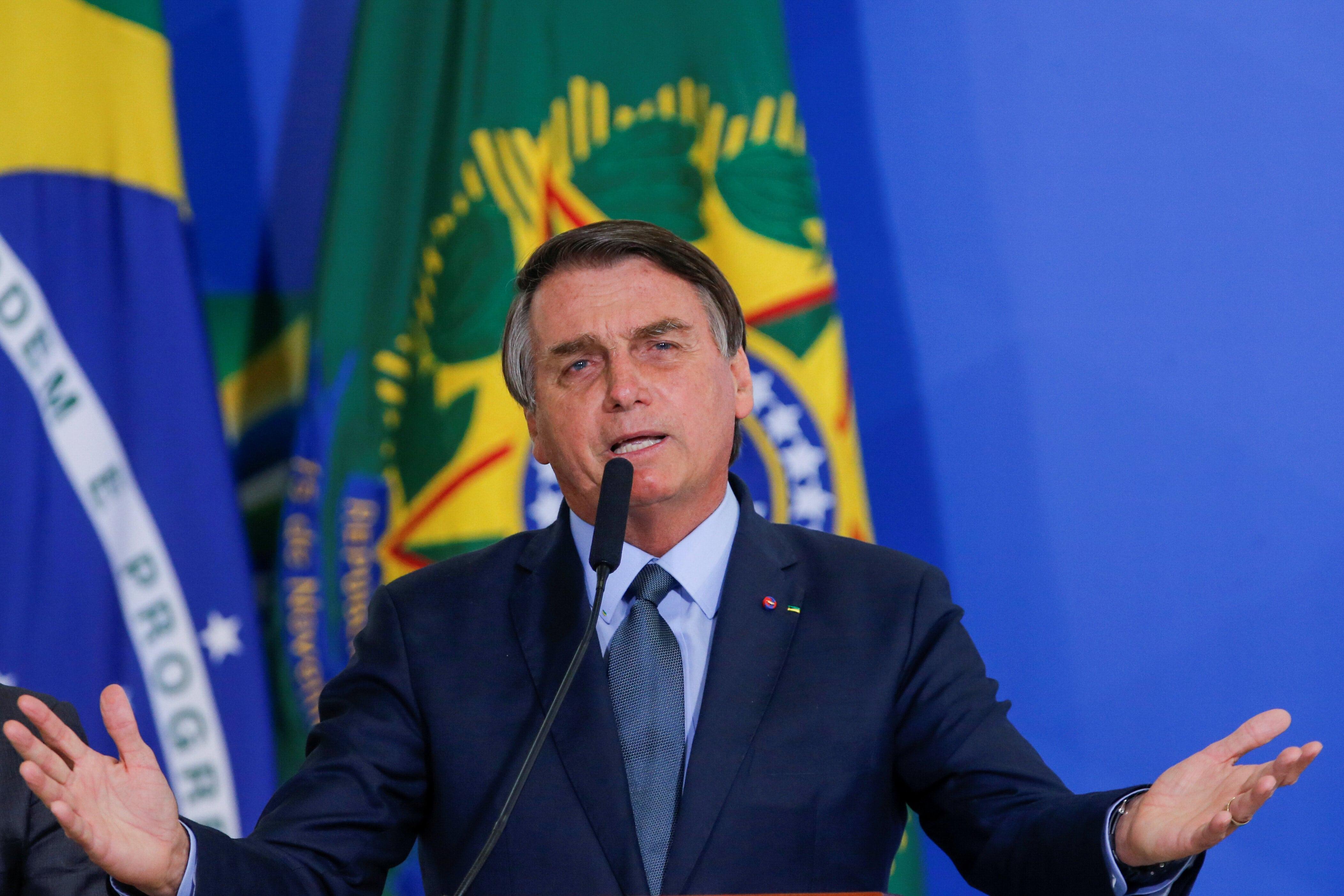Bolsonaro discursando em Brasília