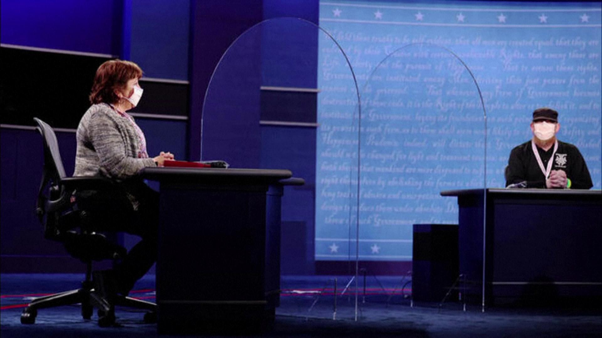 Barreira de acrílico instalada para debate entre candidatos a vice nos EUA