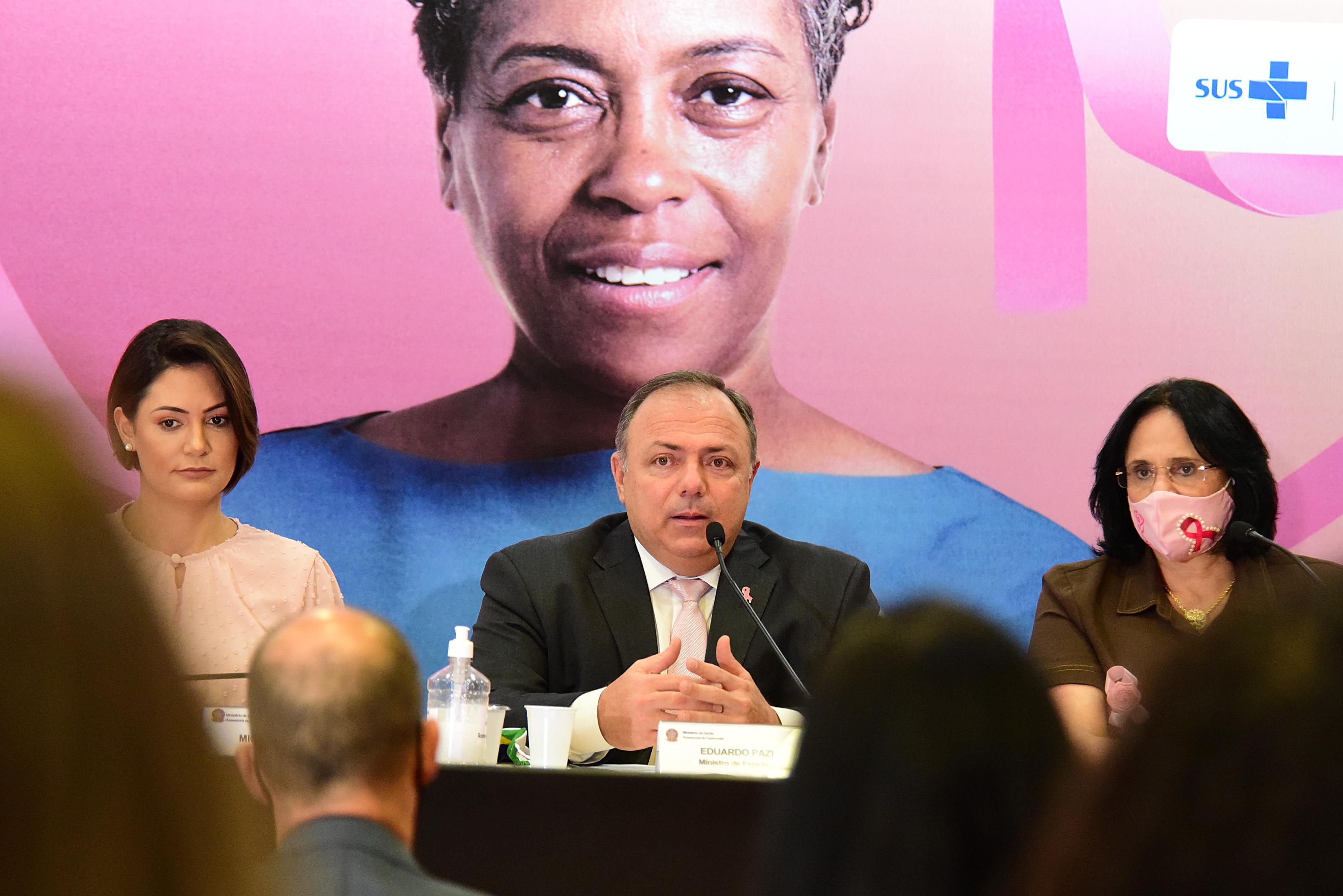 Michelle Bolsonaro, Eduardo Pazuello e Damares Alves em evento sobre o Outubro R