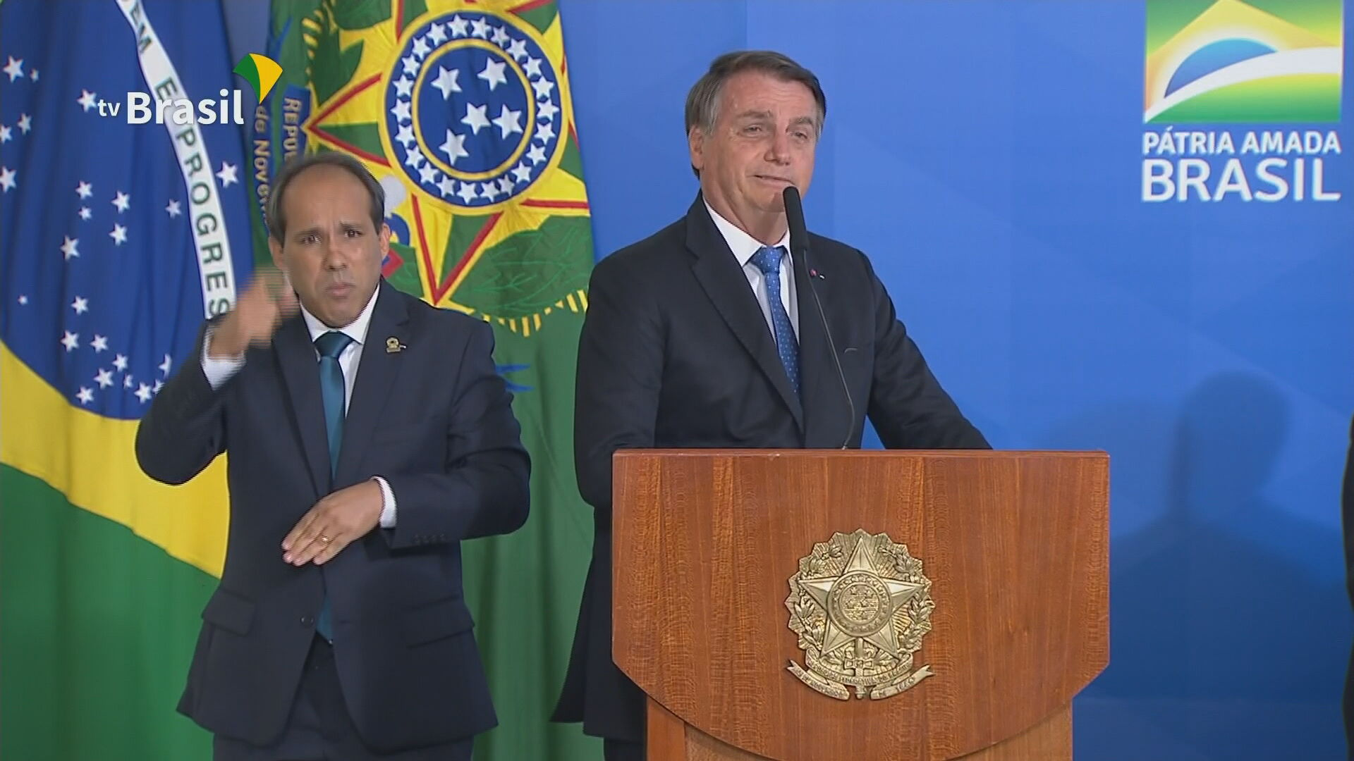 Presidente Jair Bolsonaro fala durante cerimônia de lançamento do programa Voo S