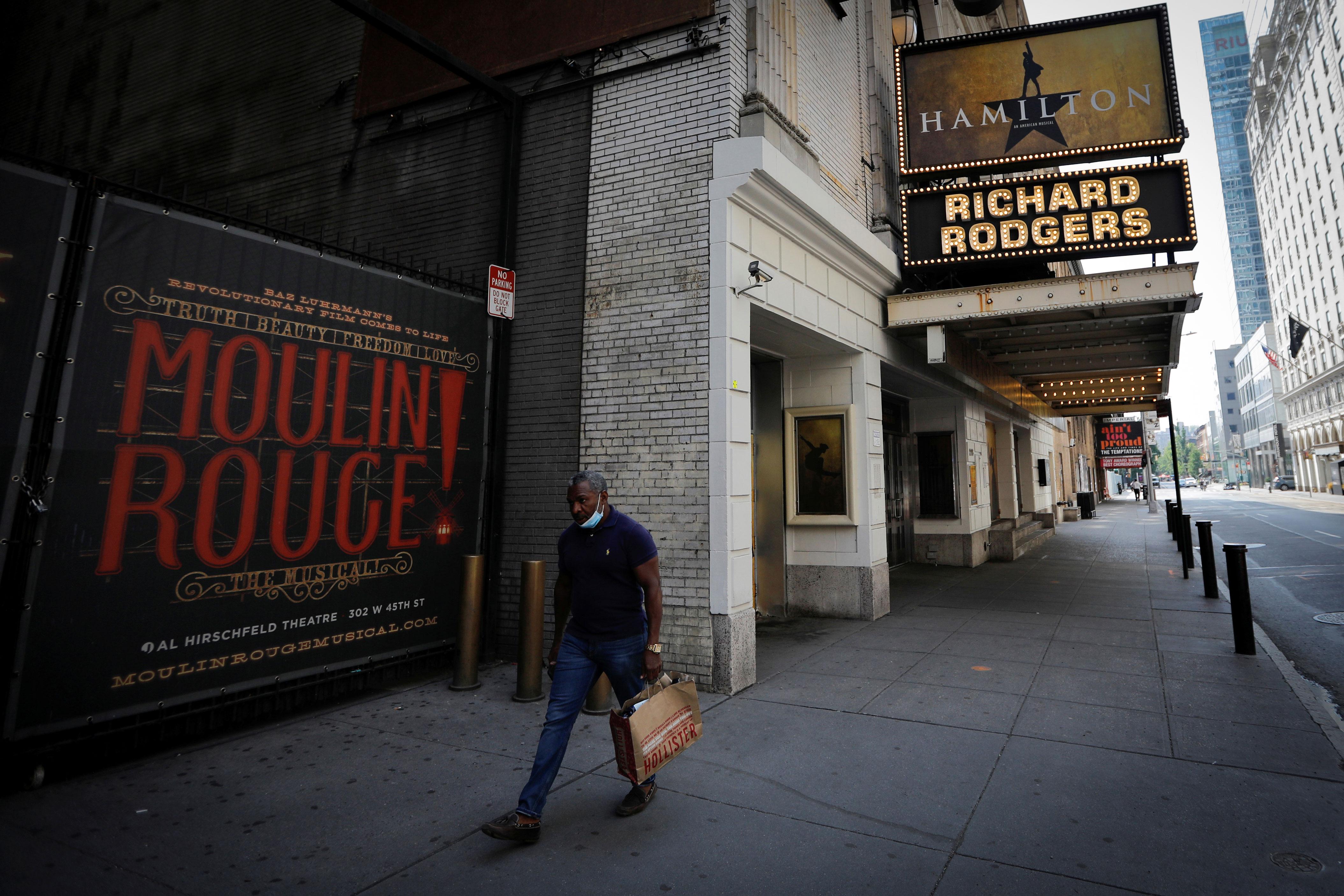 Teatro Richard Rodgers, que está fechado, e é palco do popular musical Hamilton