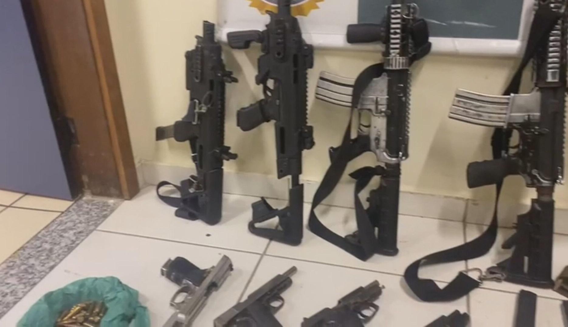 Armas apreendidas pela polícia no Rio