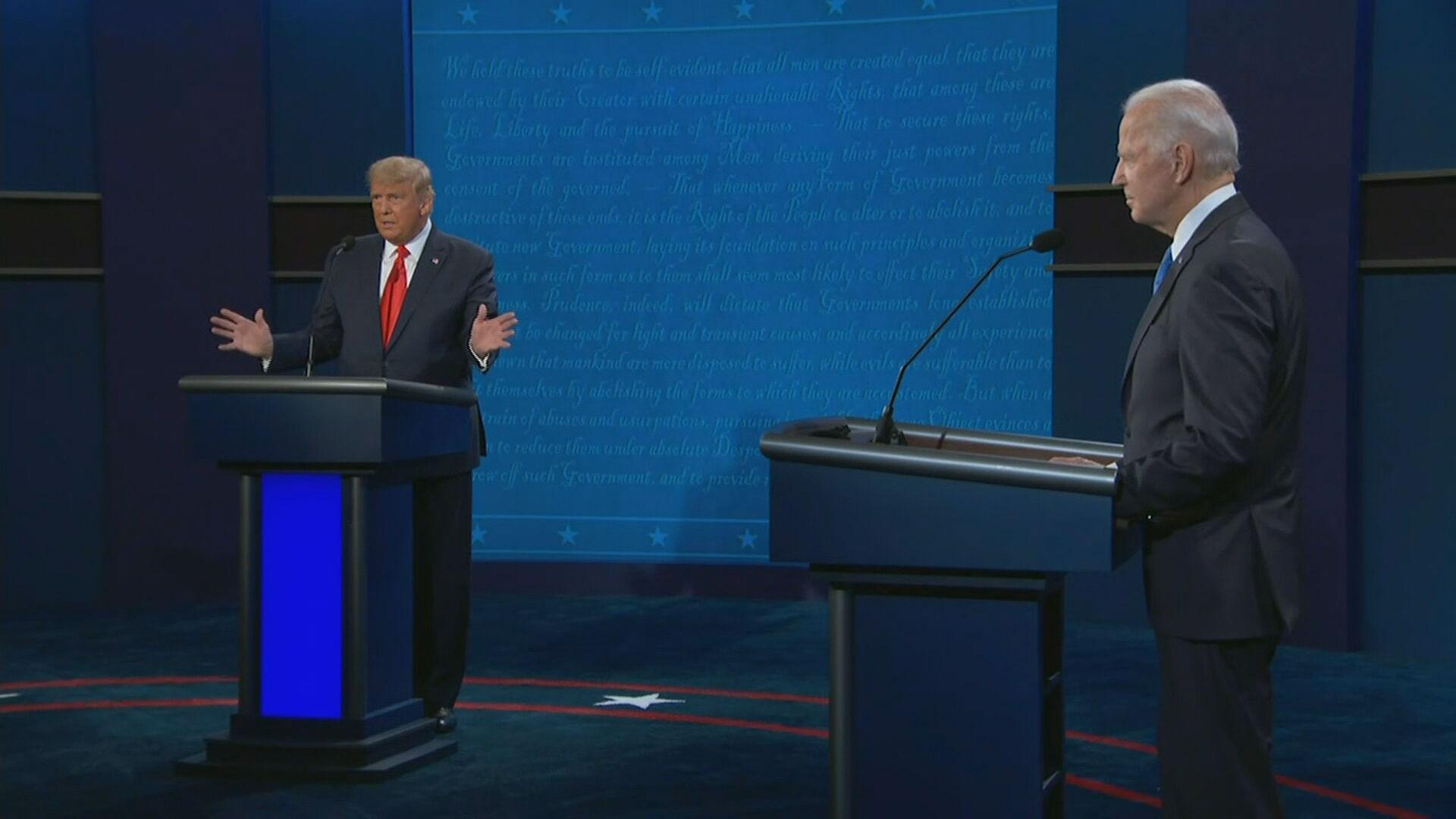 Donald Trump e Joe Biden durante o último debate antes da eleição presidencial