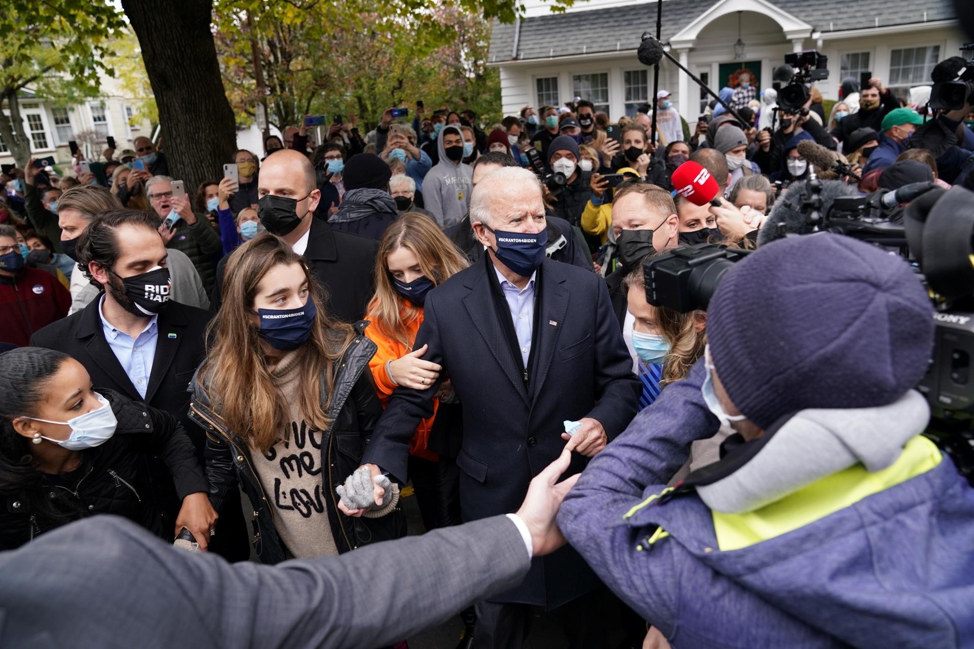Biden é cercado por apoiadores em sua cidade natal, Scranton, na Pensilvânia