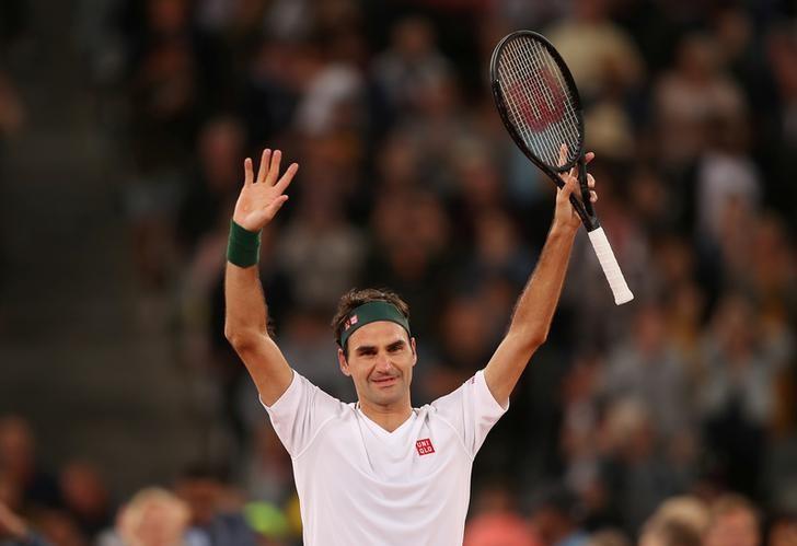 O tenista Roger Federer comemora em jogo na Cidade do Cabo, África do Sul