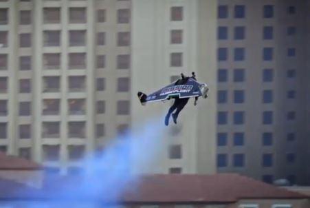 Exibição do jetman Vince Reffet