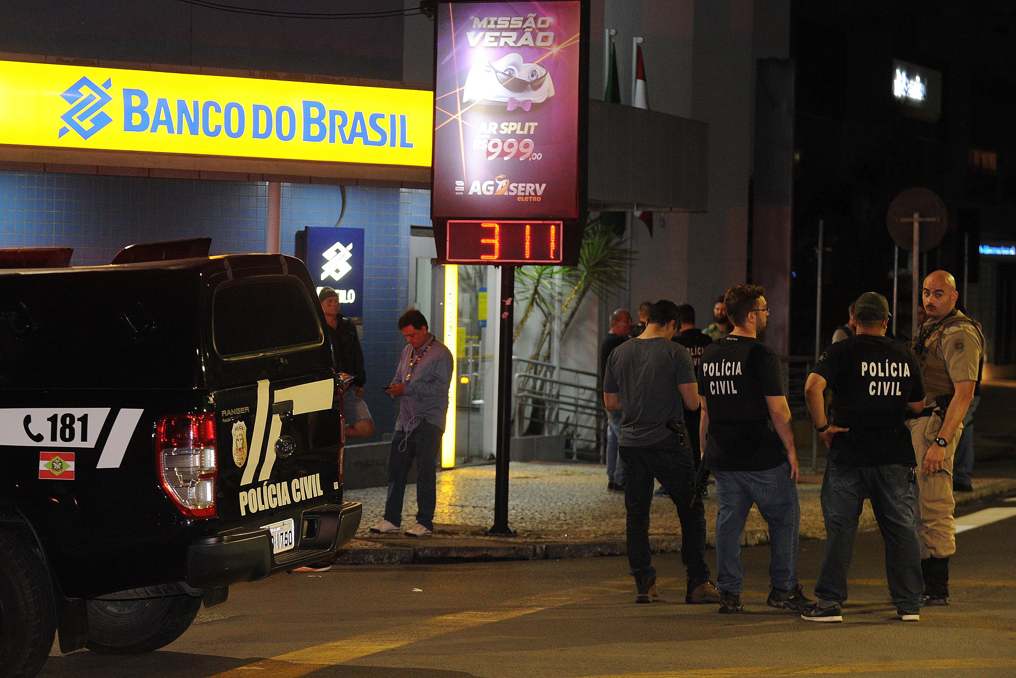 Criciúma registrou intensos disparos, com criminosos atacando bancos
