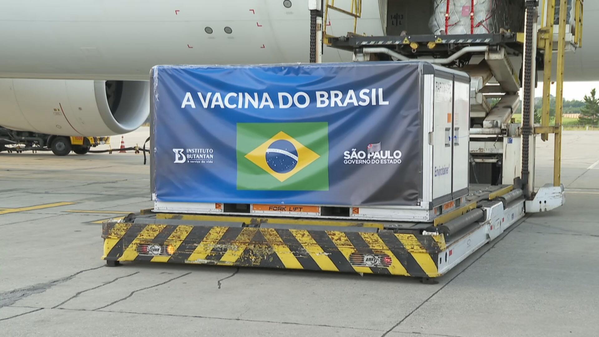 Vacina Coronavac chega ao Brasil  (03.dez.2020)