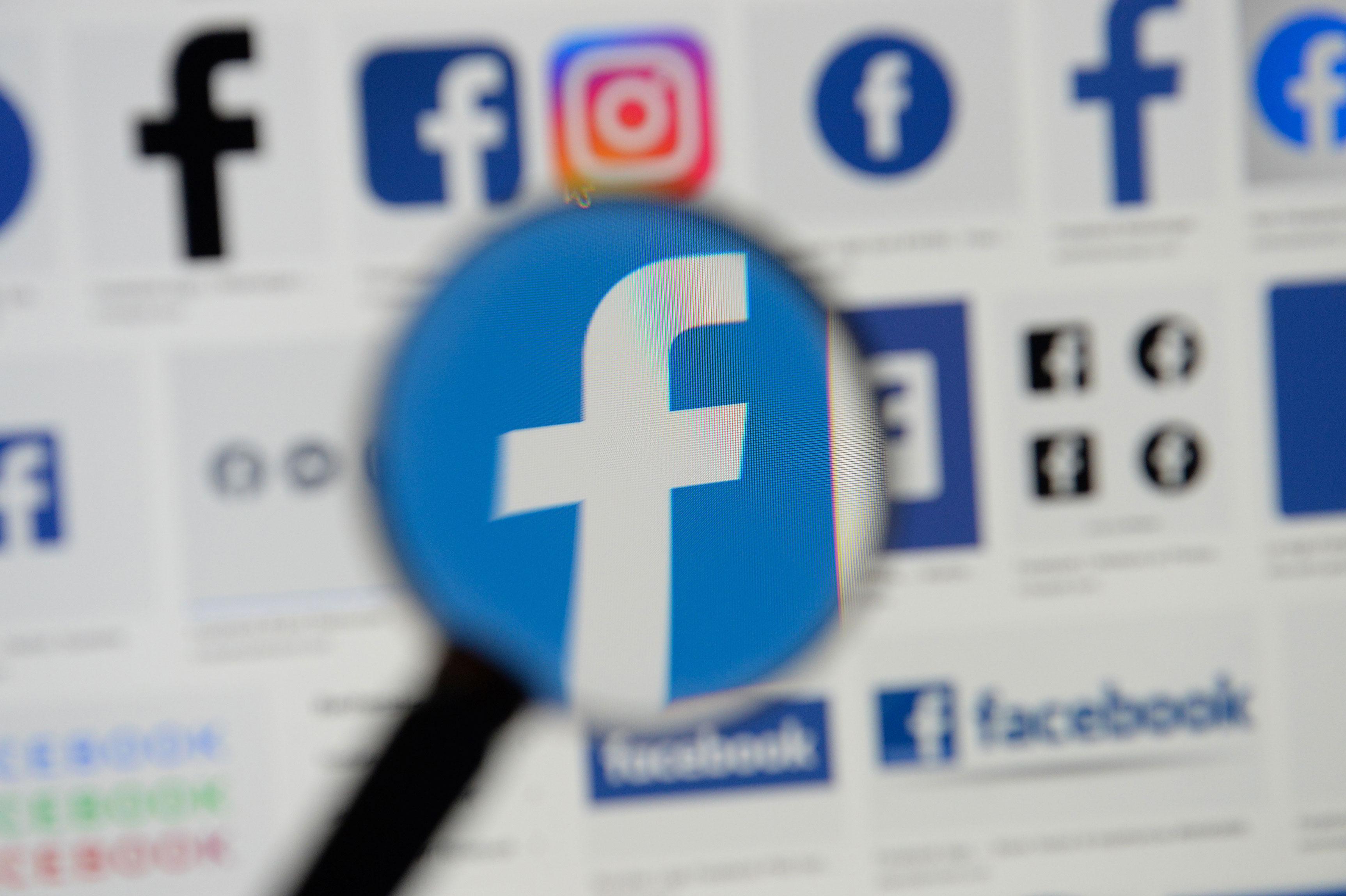 Ilustração com logos do Facebook