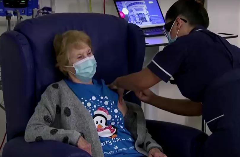 Margaret Keenan, prestes a completar 91 anos,