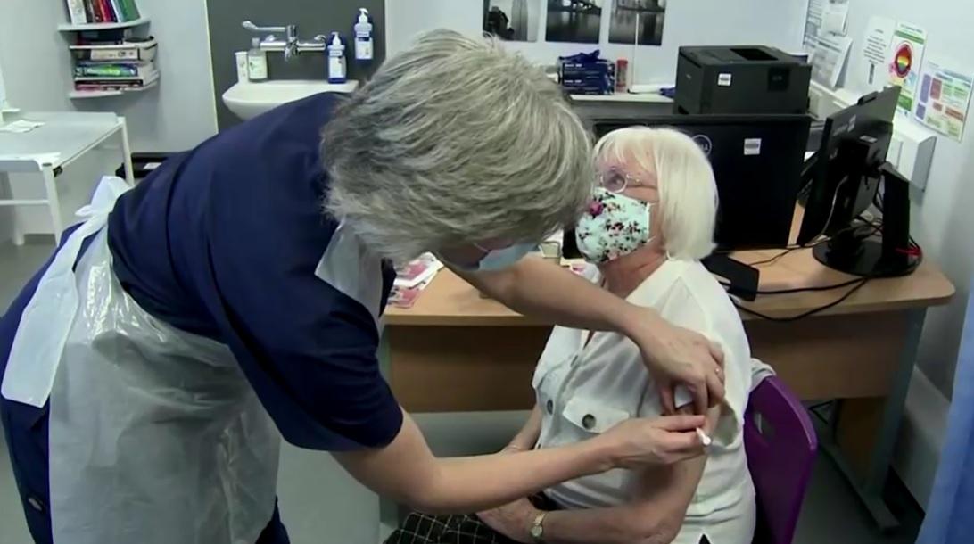 Vacinação no Reino Unido contra o novo coronavírus