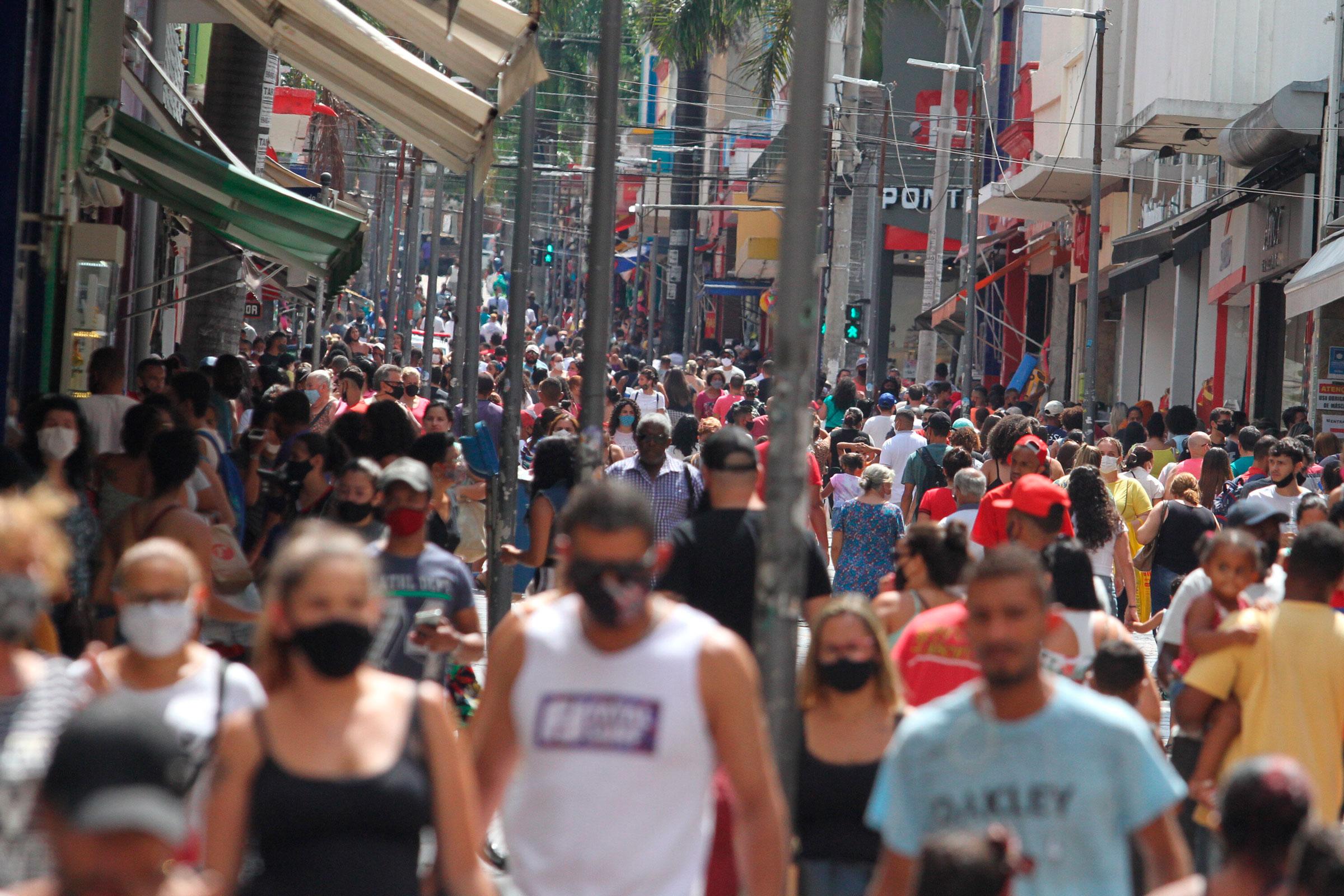 Movimentação na região central de Campinas  em meio a pandemia da Covid-19