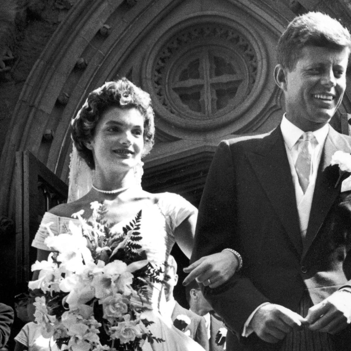 John e Jackie Kennedy em seu casamento