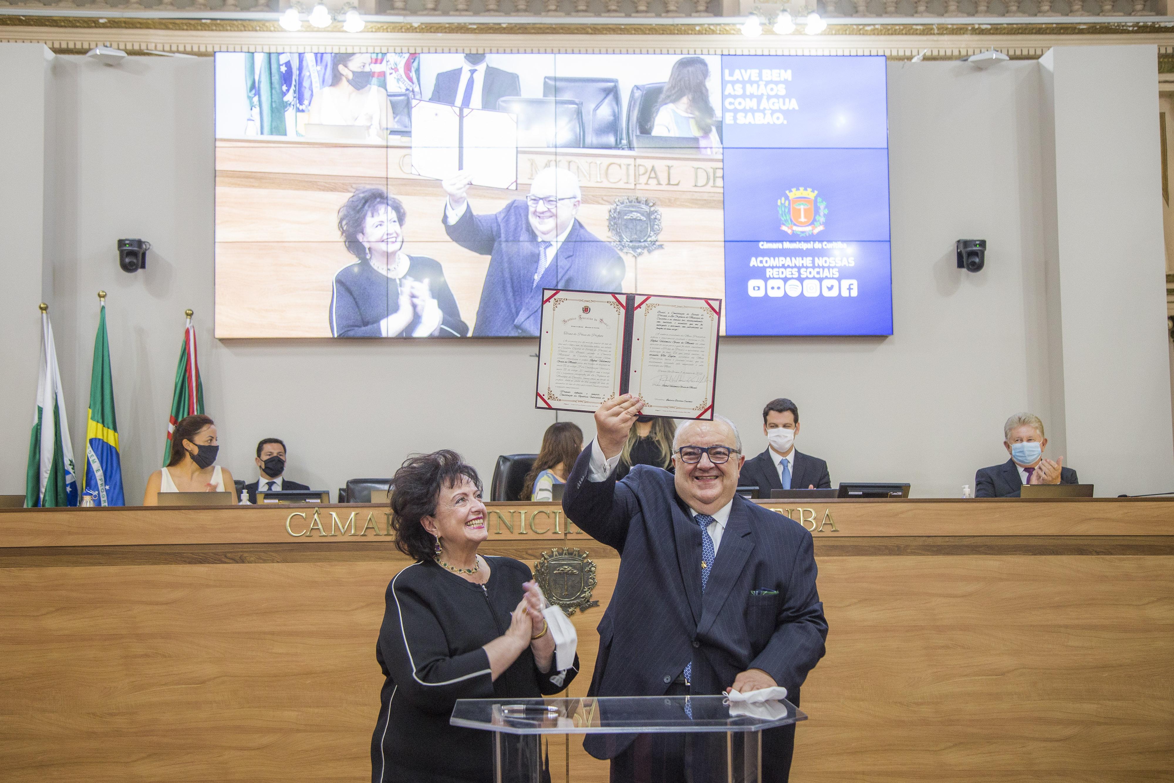 Rafael Greca é empossado para seu segundo mandato como prefeito de Curitiba (01.
