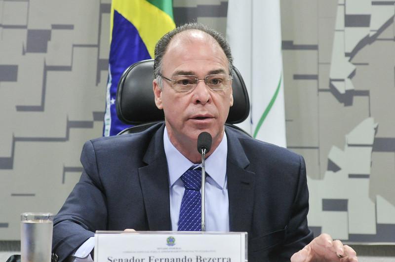 Senador Fernando Bezerra (MDB-PE), líder do governo no senado, durante Comissão