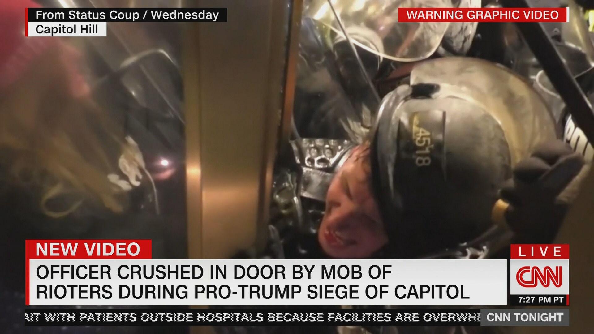 Policial é esmagado ao tentar conter invasão no Capitólio