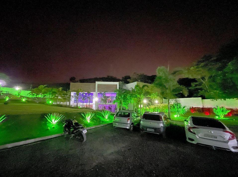 Festa na Mansão Belmont, em Campo Grande, no Rio