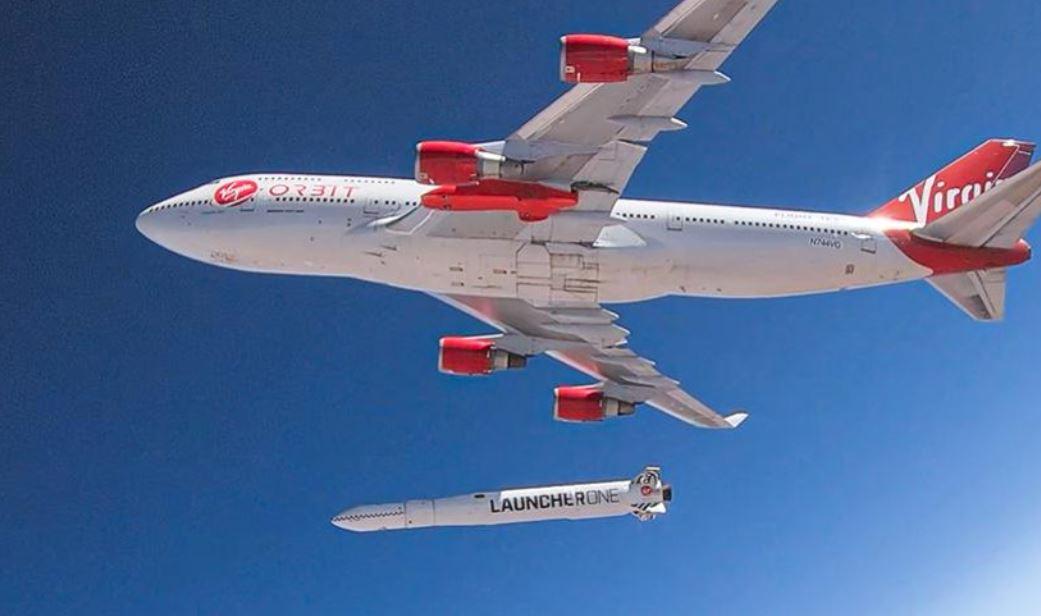 Avião e foguete da Virgin Orbit