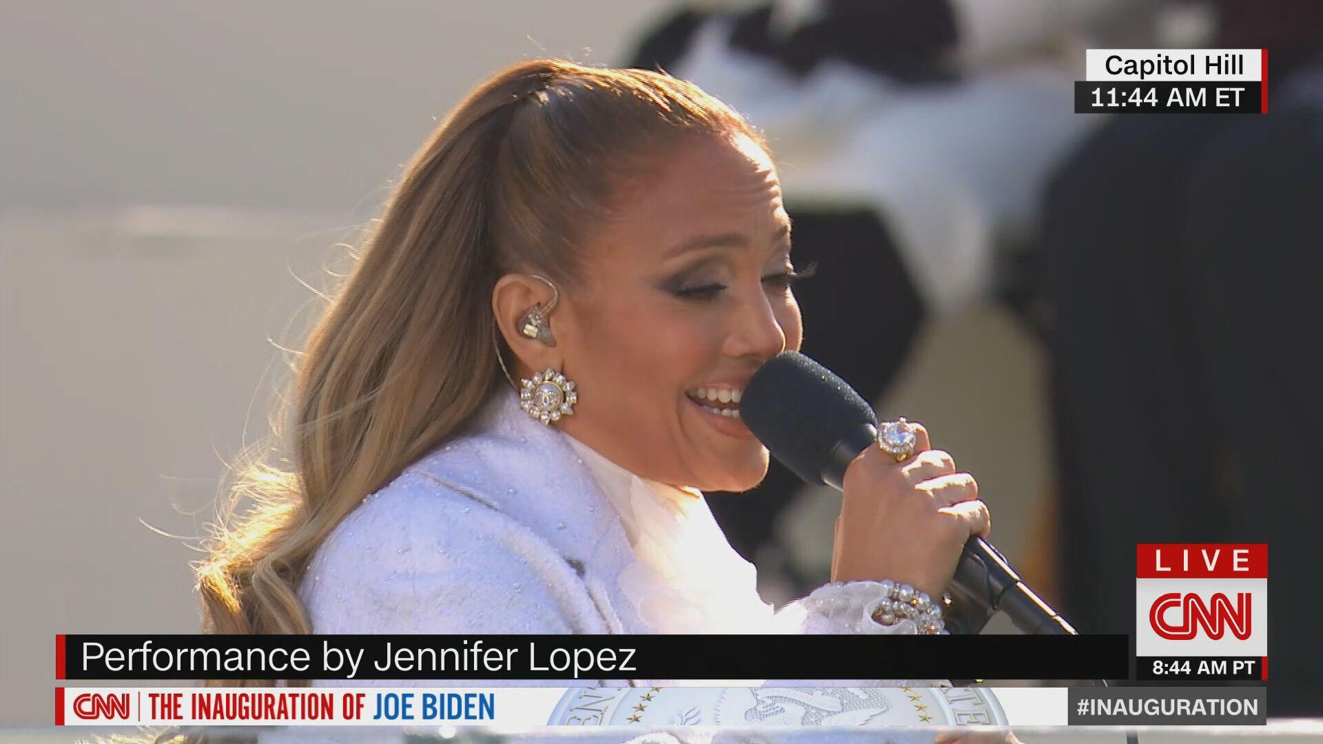Jennifer Lopez canta na posse de Joe Biden (20.jan.2021)