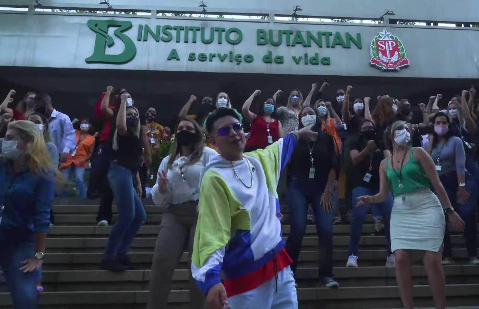MC Fioti lança o videoclipe 'Vacina Butantan - Remix Bum Bum Tan Tan'