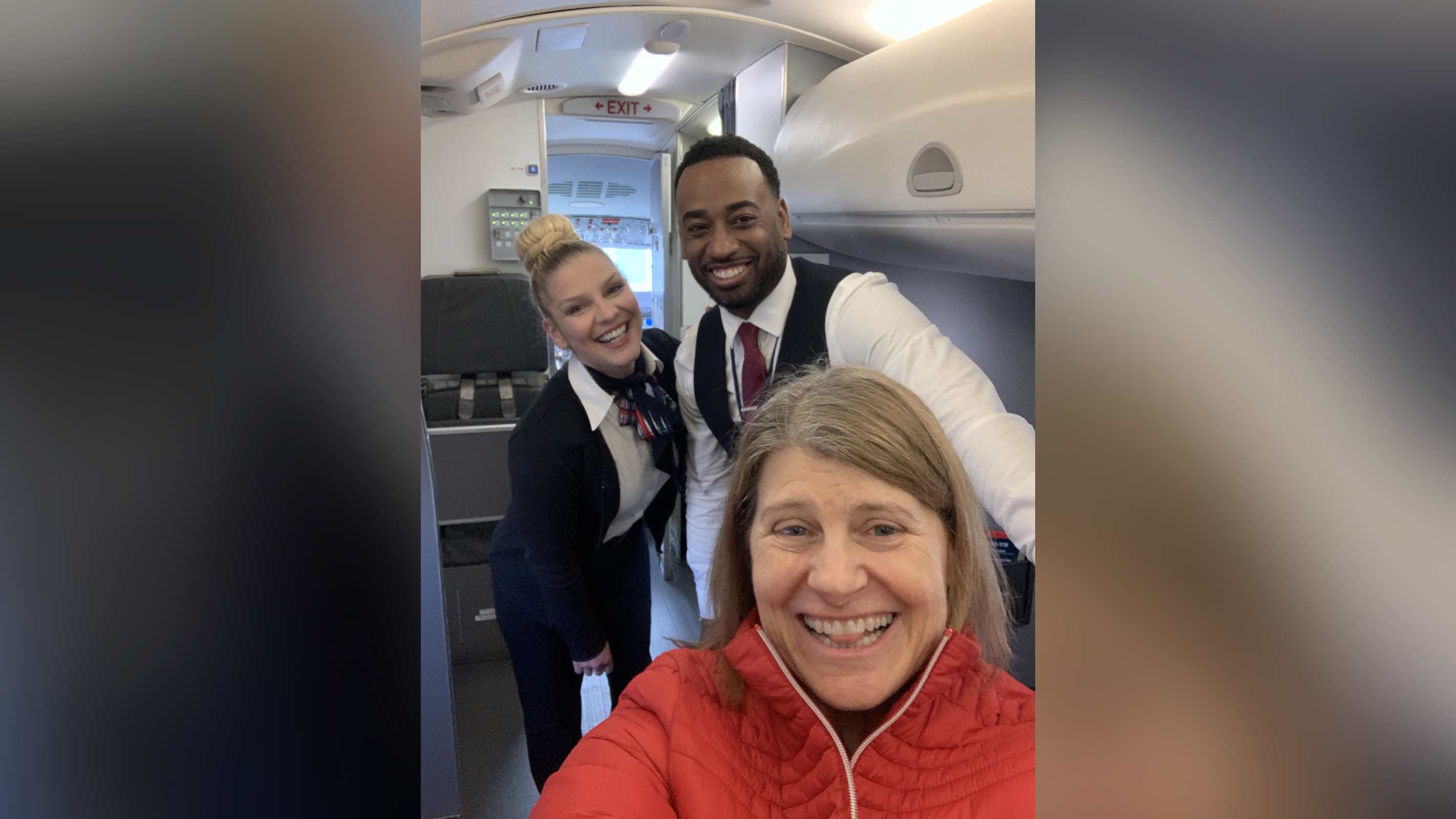 Sheryl Pardo e tripulação do voo