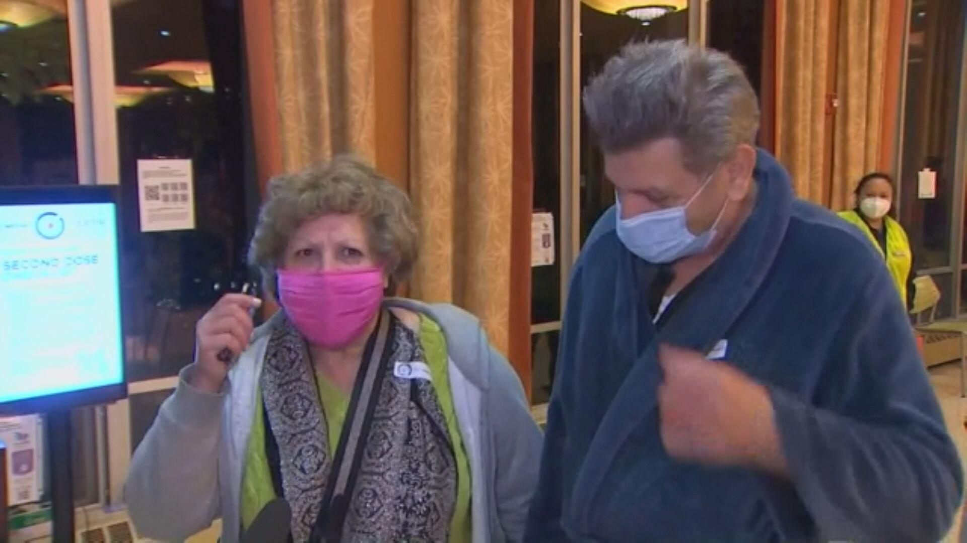 Idosos se vacinam às pressas nos Estados Unidos após quebra de refrigerador