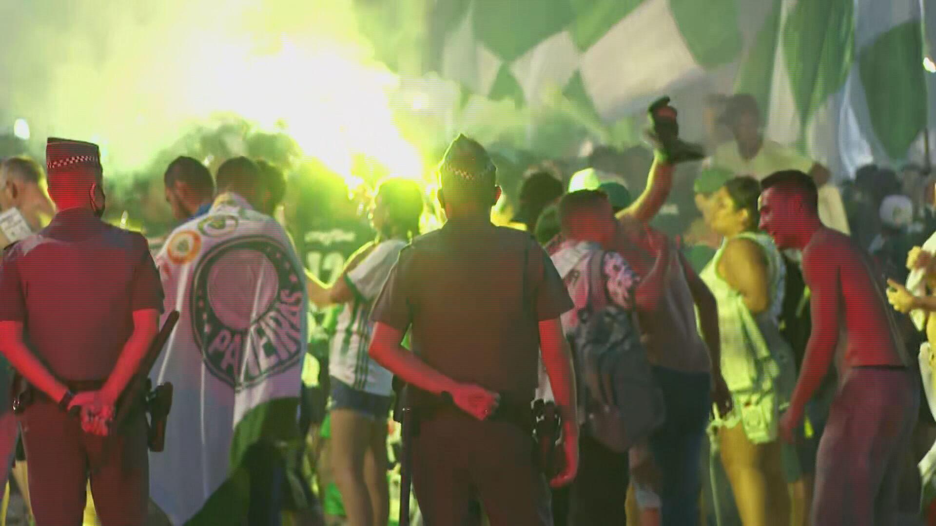 São Paulo registra festas e aglomeração em primeiro fim de semana na fase vermel